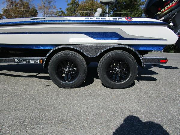 2021 Skeeter boat for sale, model of the boat is ZX150 & Image # 8 of 51