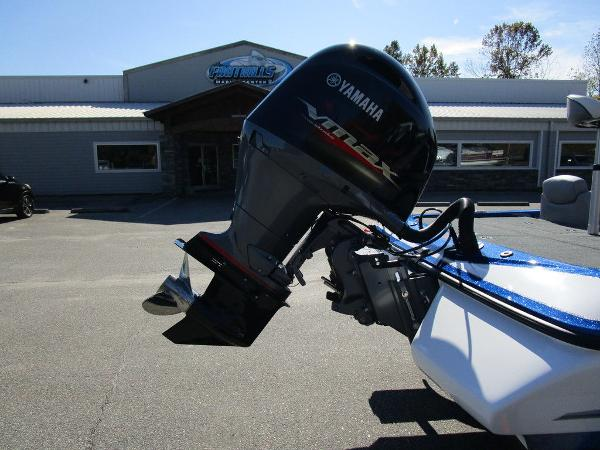 2021 Skeeter boat for sale, model of the boat is ZX150 & Image # 24 of 51