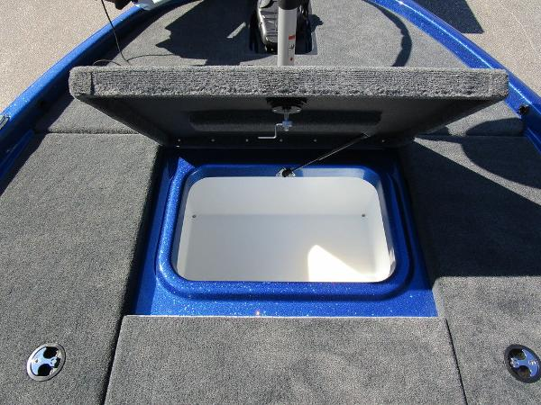2021 Skeeter boat for sale, model of the boat is ZX150 & Image # 32 of 51