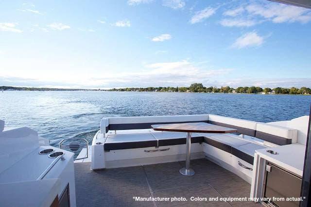 2022 Cruisers Yachts 46CANTIUS thumbnail