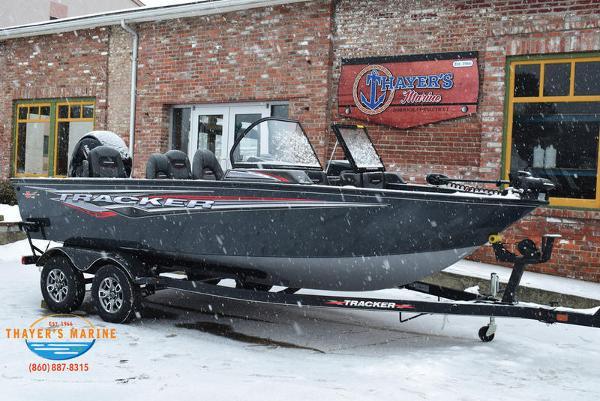2021 Tracker Boats boat for sale, model of the boat is Targa™ V-18 Combo & Image # 1 of 47