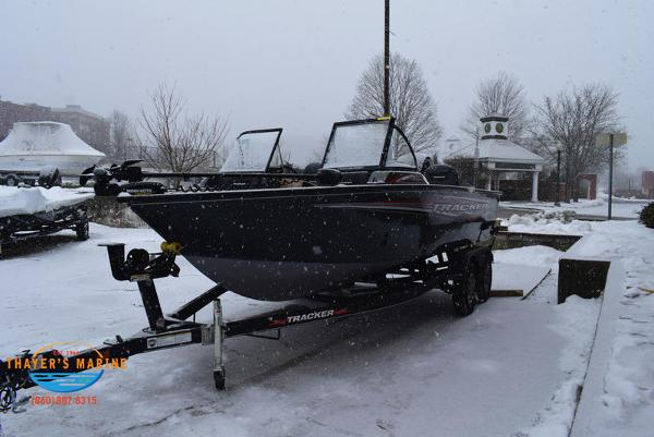 2021 Tracker Boats boat for sale, model of the boat is Targa™ V-18 Combo & Image # 3 of 47