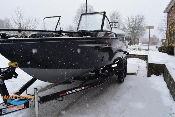 2021 Tracker Boats boat for sale, model of the boat is Targa™ V-18 Combo & Image # 7 of 47
