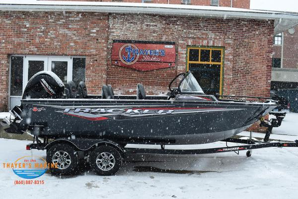 2021 Tracker Boats boat for sale, model of the boat is Targa™ V-18 Combo & Image # 10 of 47