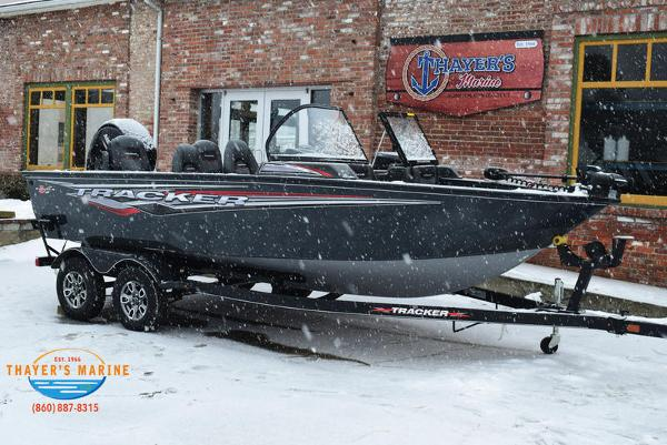 2021 Tracker Boats boat for sale, model of the boat is Targa™ V-18 Combo & Image # 14 of 47