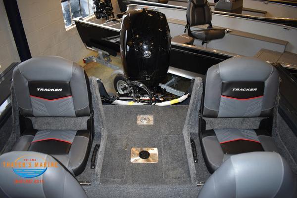 2021 Tracker Boats boat for sale, model of the boat is Targa™ V-18 Combo & Image # 17 of 47