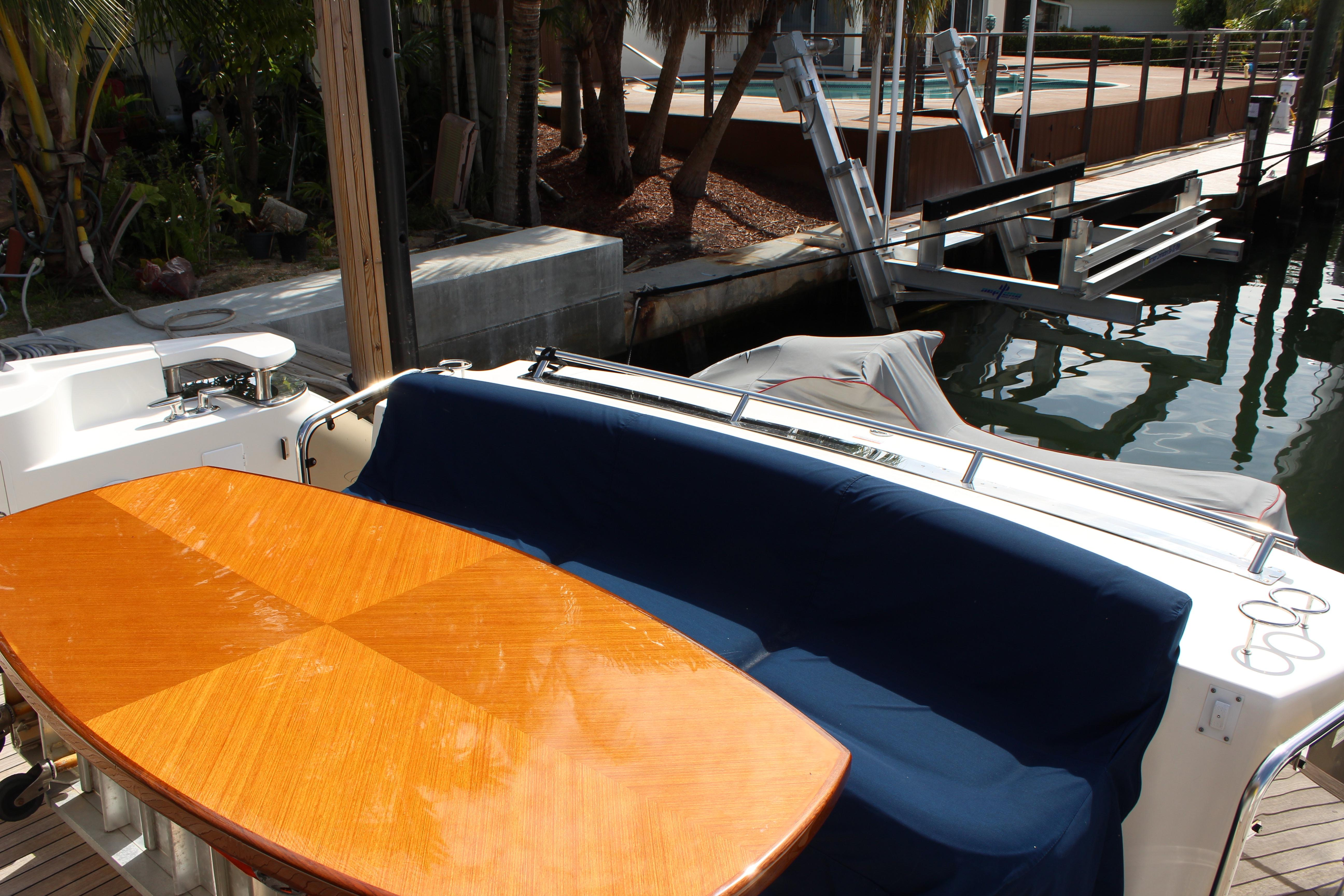 Picture Of:  60' Sea Ray Sundancer 2008Yacht For Sale | 4 of 18