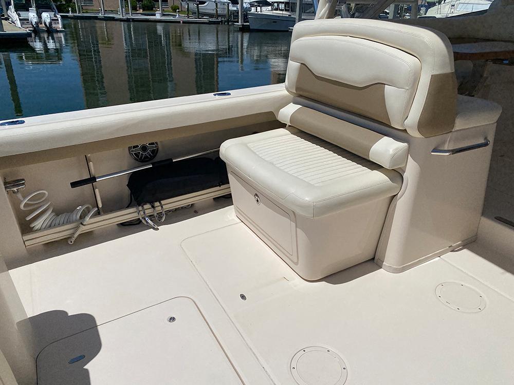 Port cockpit bench