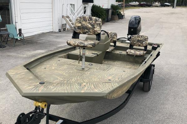 2021 Tracker Boats boat for sale, model of the boat is 1754 SC & Image # 1 of 23