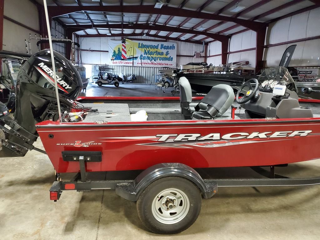 2021 Tracker Boats boat for sale, model of the boat is Super Guide™ V-16 SC & Image # 2 of 17