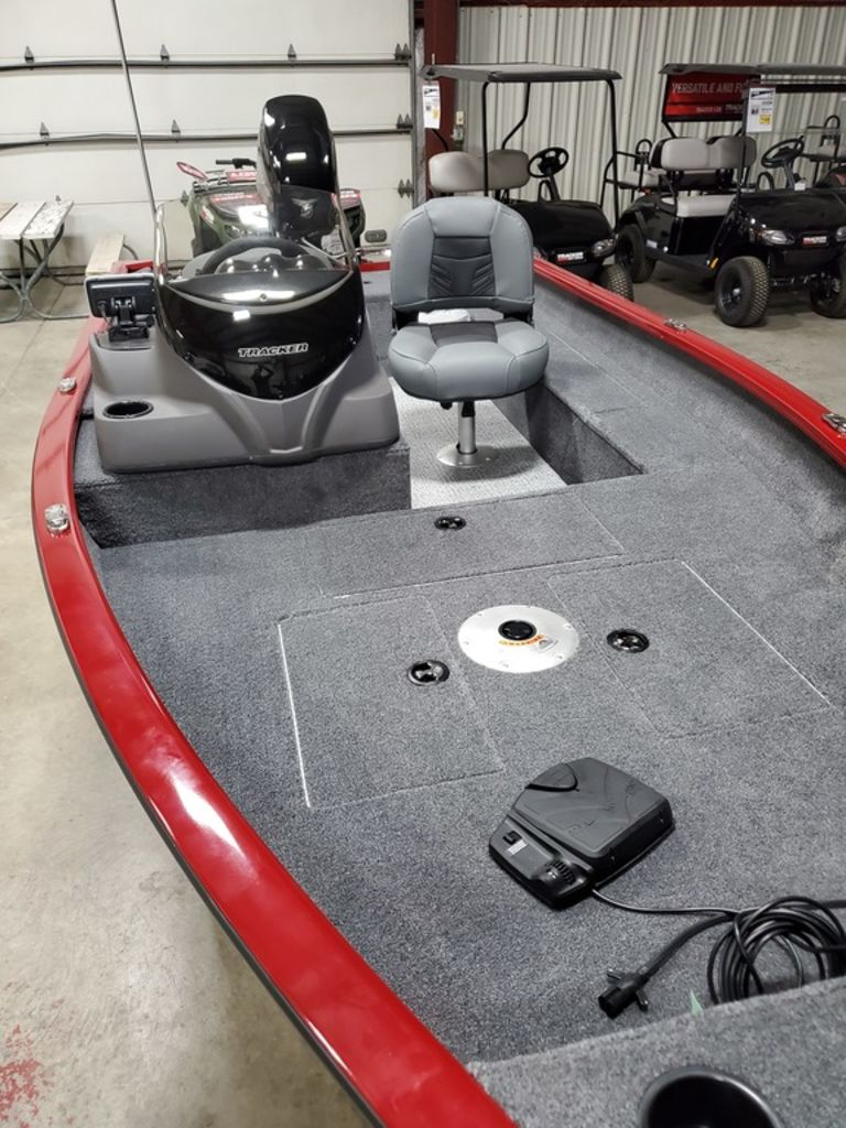 2021 Tracker Boats boat for sale, model of the boat is Super Guide™ V-16 SC & Image # 4 of 17