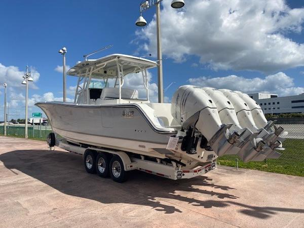 2019 Mako boat for sale, model of the boat is 414 CC Family Edition & Image # 2 of 108