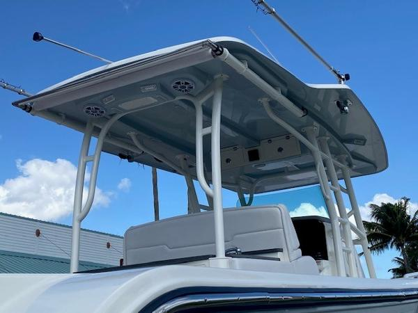 2019 Mako boat for sale, model of the boat is 414 CC Family Edition & Image # 4 of 108