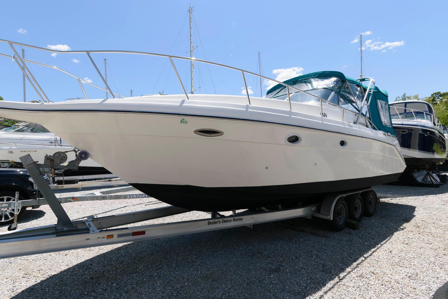 M 6132 EF Knot 10 Yacht Sales