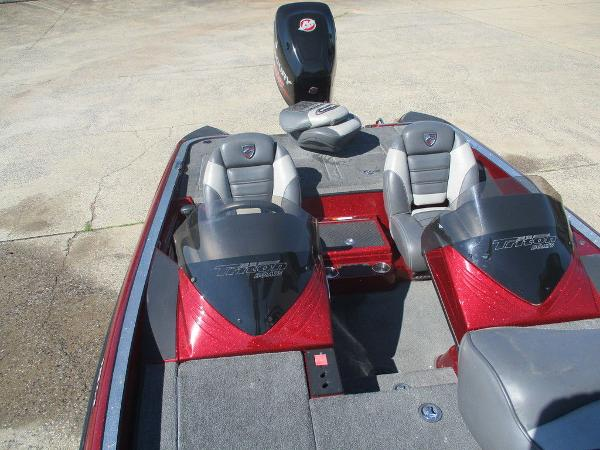 2015 Triton boat for sale, model of the boat is 18 TRX & Image # 4 of 8