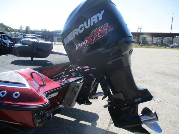 2015 Triton boat for sale, model of the boat is 18 TRX & Image # 5 of 8