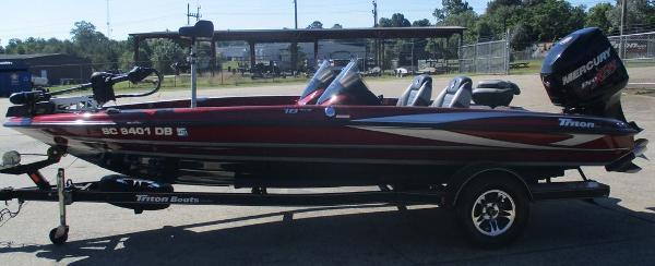 2015 Triton boat for sale, model of the boat is 18 TRX & Image # 6 of 8