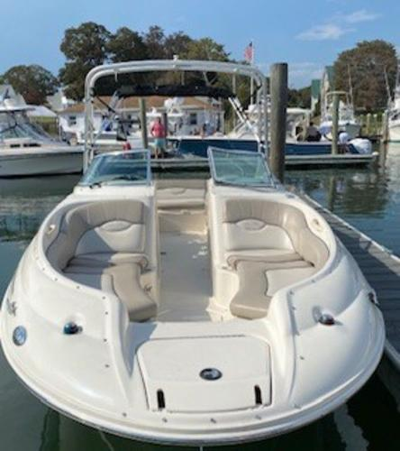 2003 Sea Ray boat for sale, model of the boat is 240 Sundeck & Image # 2 of 12