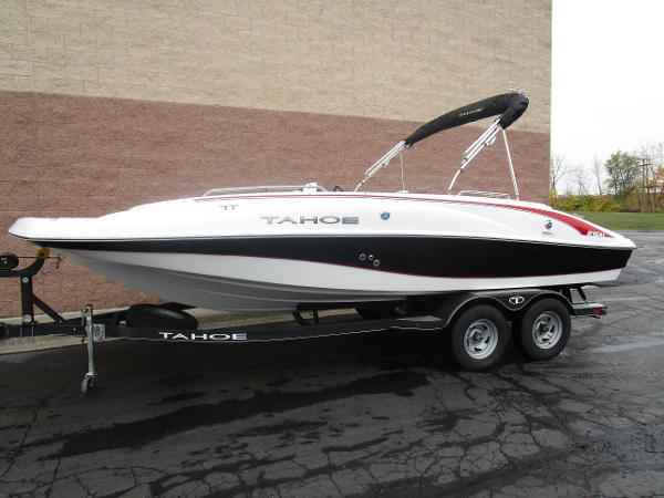 2021 Tahoe boat for sale, model of the boat is 215 Xi & Image # 2 of 34