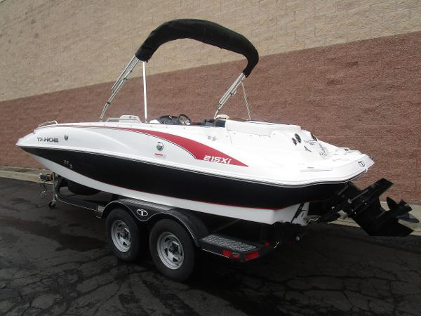 2021 Tahoe boat for sale, model of the boat is 215 Xi & Image # 3 of 34