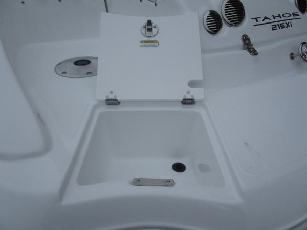 2021 Tahoe boat for sale, model of the boat is 215 Xi & Image # 5 of 34