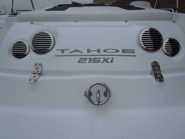 2021 Tahoe boat for sale, model of the boat is 215 Xi & Image # 7 of 34