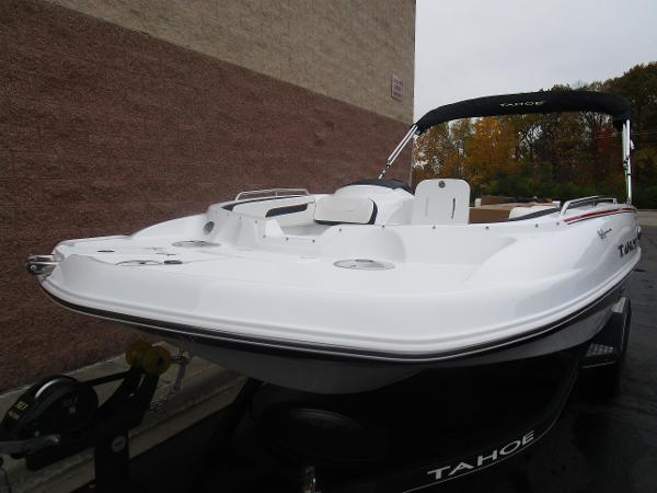 2021 Tahoe boat for sale, model of the boat is 215 Xi & Image # 8 of 34