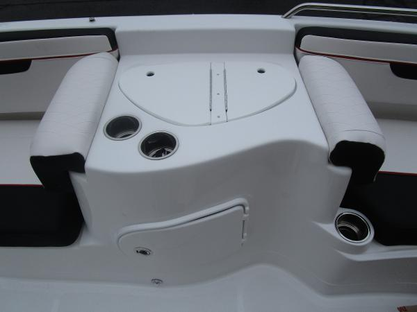 2021 Tahoe boat for sale, model of the boat is 215 Xi & Image # 17 of 34