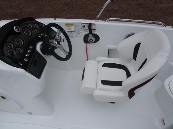 2021 Tahoe boat for sale, model of the boat is 215 Xi & Image # 20 of 34