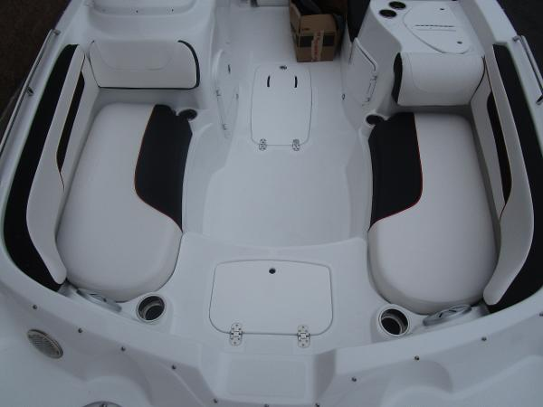 2021 Tahoe boat for sale, model of the boat is 215 Xi & Image # 33 of 34