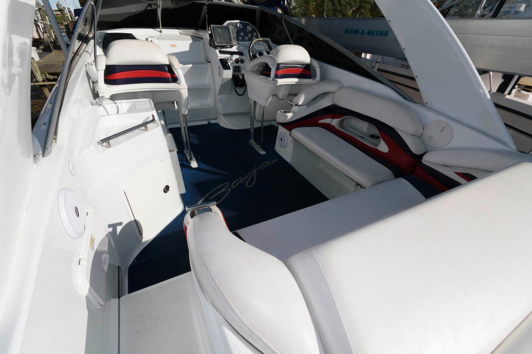 M 5824 JB Knot 10 Yacht Sales