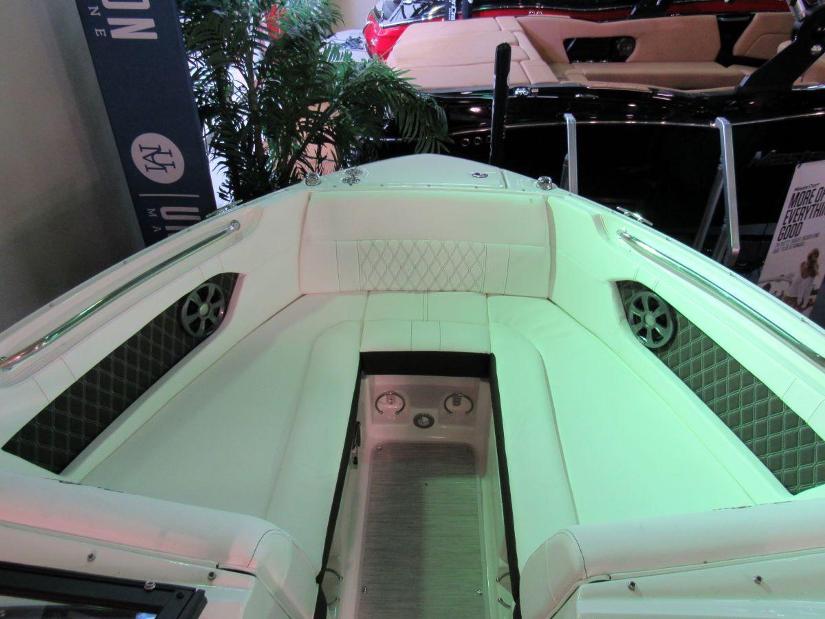 2021 Sea Ray SLX 230