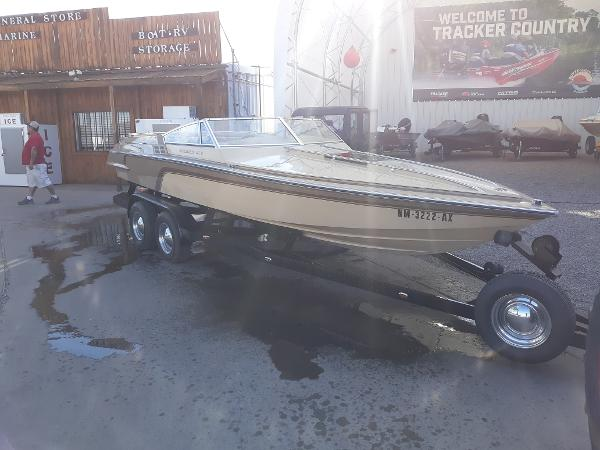 1981 Hammond boat for sale, model of the boat is V-2150 XL Challenger & Image # 1 of 11