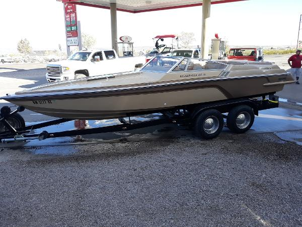 1981 Hammond boat for sale, model of the boat is V-2150 XL Challenger & Image # 2 of 11