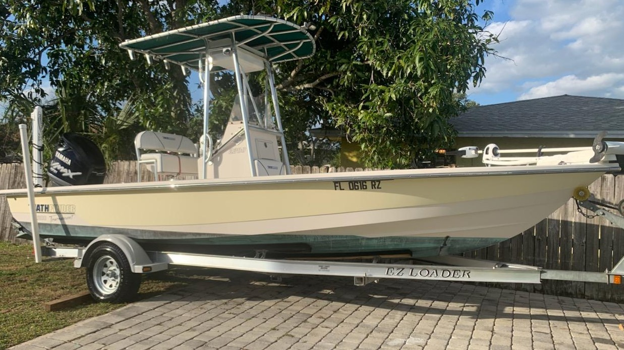 2007 Pathfinder 2200 Tournament Edition with Trailer