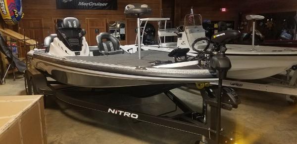 2020 Nitro boat for sale, model of the boat is Z18 & Image # 2 of 7