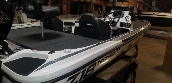 2020 Nitro boat for sale, model of the boat is Z18 & Image # 4 of 7