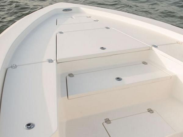 2021 Avenger boat for sale, model of the boat is AV26 & Image # 10 of 20