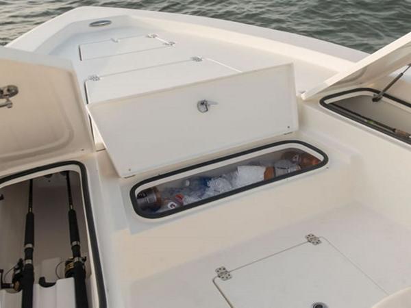 2021 Avenger boat for sale, model of the boat is AV26 & Image # 14 of 20