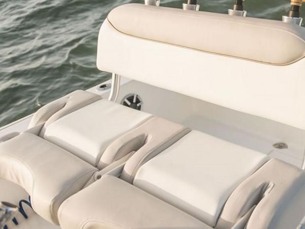 2021 Avenger boat for sale, model of the boat is AV26 & Image # 16 of 20