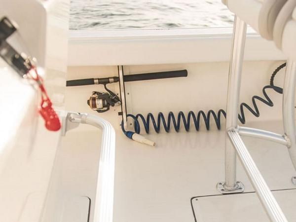 2021 Avenger boat for sale, model of the boat is AV26 & Image # 17 of 20