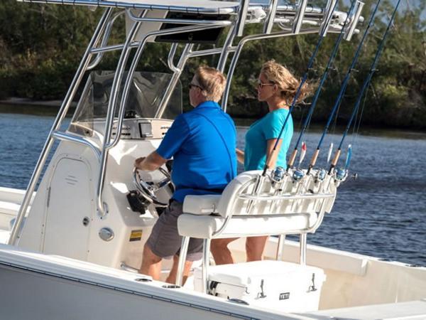 2021 Avenger boat for sale, model of the boat is AV24 & Image # 7 of 18