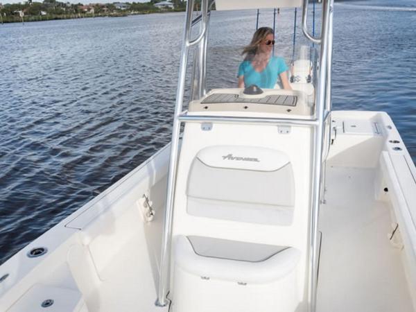 2021 Avenger boat for sale, model of the boat is AV24 & Image # 9 of 18