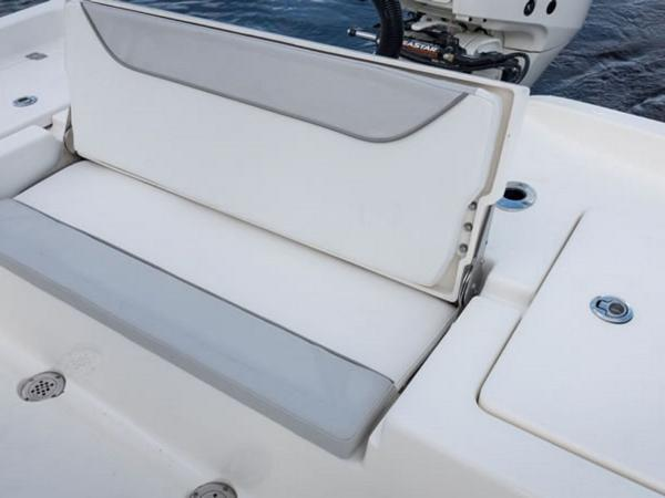 2021 Avenger boat for sale, model of the boat is AV24 & Image # 12 of 18