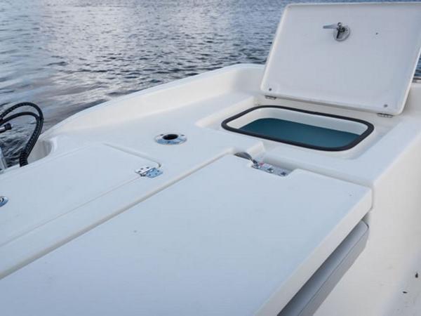 2021 Avenger boat for sale, model of the boat is AV24 & Image # 15 of 18