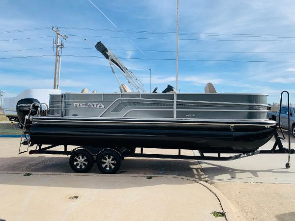 2018 Ranger Boats boat for sale, model of the boat is Reata 220F & Image # 4 of 32