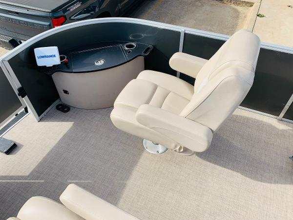 2018 Ranger Boats boat for sale, model of the boat is Reata 220F & Image # 10 of 32