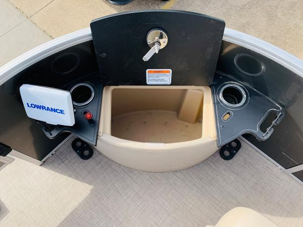2018 Ranger Boats boat for sale, model of the boat is Reata 220F & Image # 11 of 32