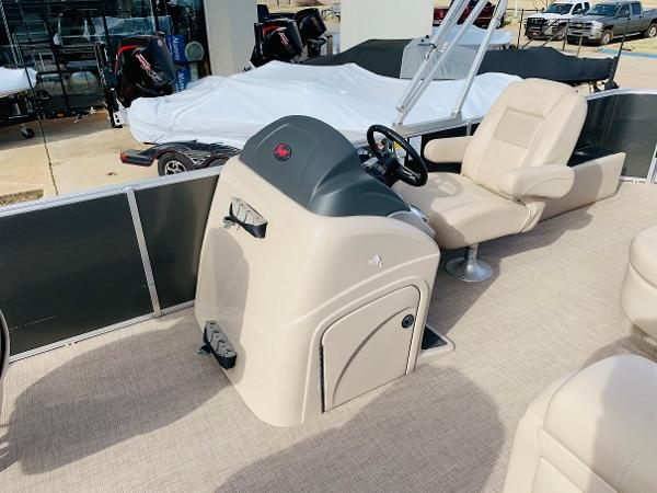 2018 Ranger Boats boat for sale, model of the boat is Reata 220F & Image # 17 of 32