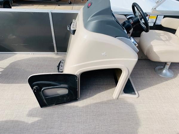 2018 Ranger Boats boat for sale, model of the boat is Reata 220F & Image # 18 of 32